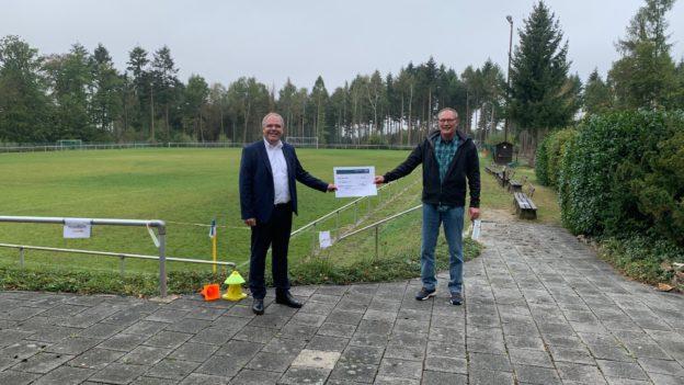 Scheckübergabe FC Waldems